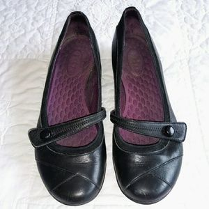 Privo by Clark's black leather button flats shoes